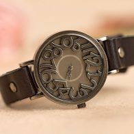 Horloge met leren armband