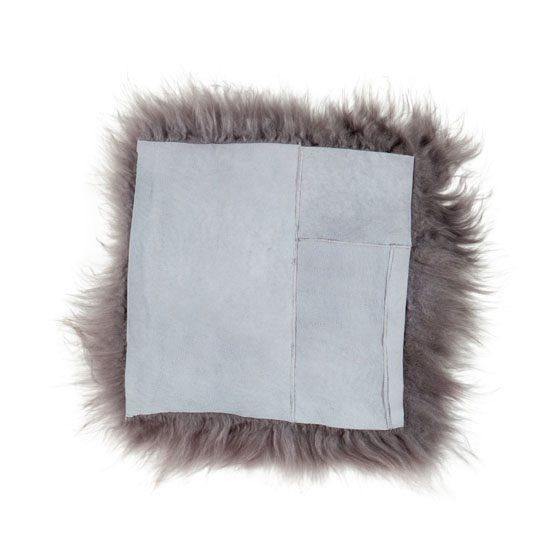 Stoelkussen van IJslands schapenvacht grijs