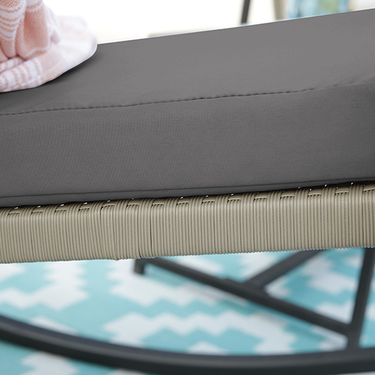 2 Luxe Schommelstoelen Incl. Tafel Mello 3